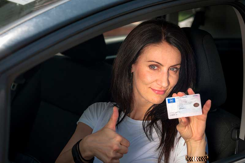 istock_73445943_drivers_license
